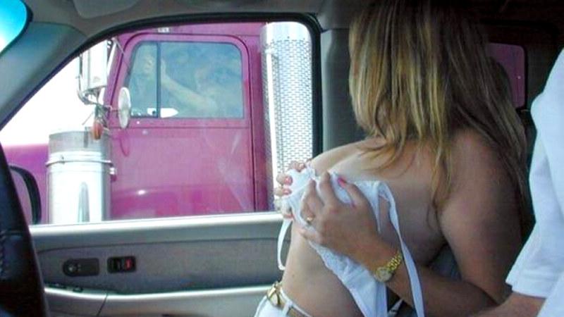 """Coppia Scambista: """"I Camionisti? Sono quelli che preferiamo"""""""